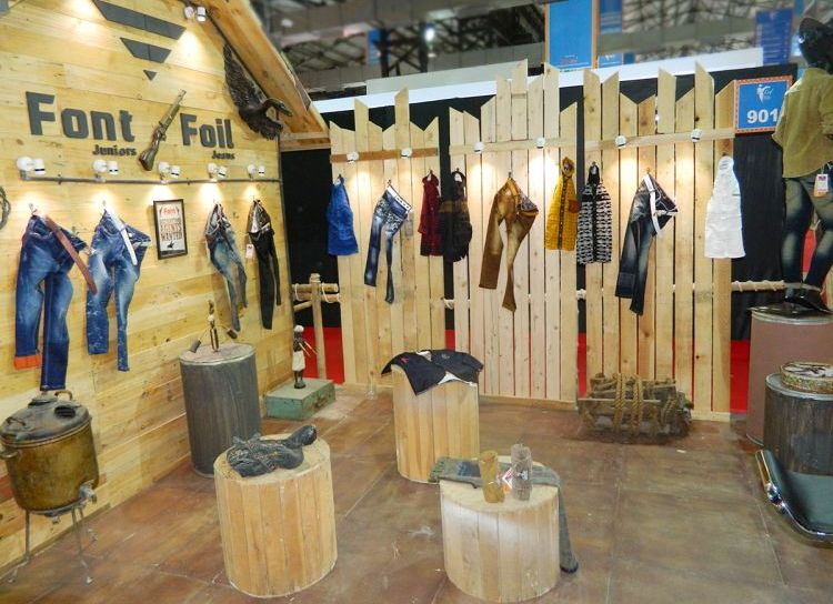 Exhibition Stall Fabrication : Exhibition garment stall design
