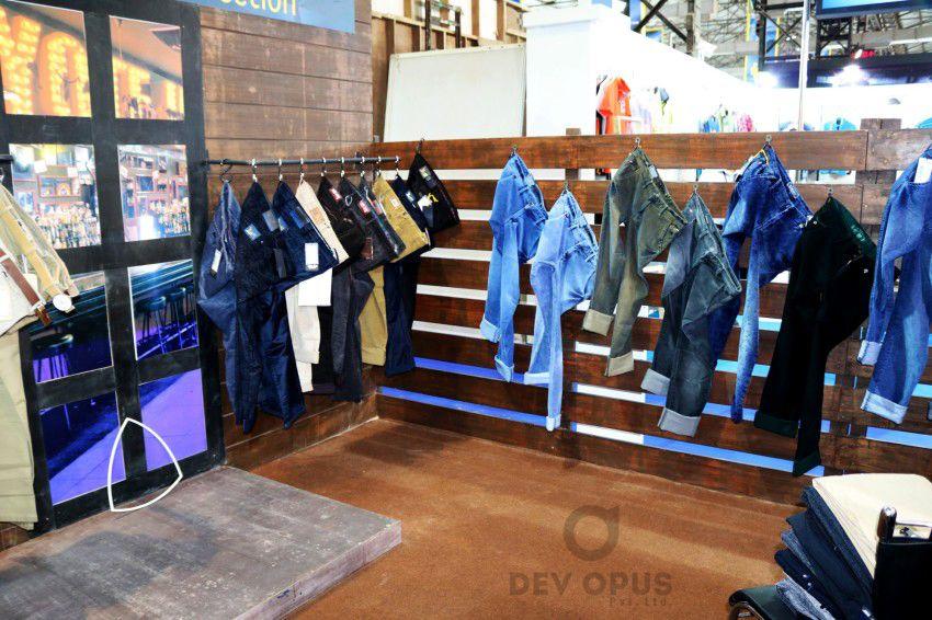 Exhibition Stall Fabricators In Goa : Exhibition stall design for livewire cmai